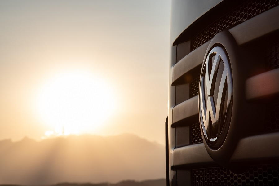 Volkswagen Caminhões e Ônibus celebra 23 anos de fábrica como pioneira na mobilidade elétrica no Brasil