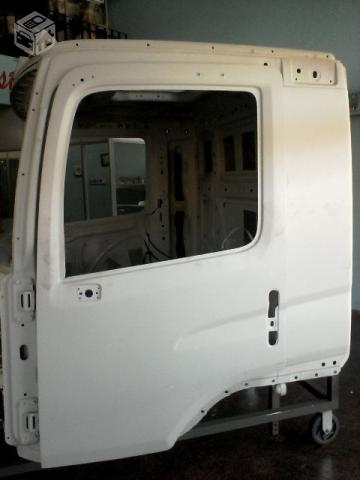 Cabine VW Constellation Leito em Primer