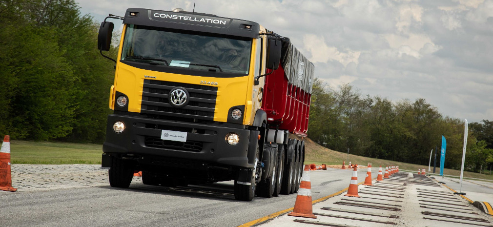 Bem-vindo a bordo: conheça o caminhão mais potente da família VW Constellation